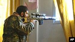 Sirijski vojnik iz redova pobunjenika