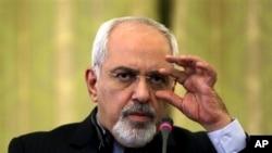 Ngoại trưởng Iran Mohammad Javad Zarif nói Iran sẽ dự hòa đàm Syria nếu nhận được lời mời vô điều kiện