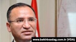 Yurtdışı Türkler'den sorumlu Başbakan Yardımcısı Bekir Bozdağ