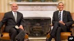 奥巴马总统与阿富汗总统加尼3月24日在白宫椭圆型办公室会晤