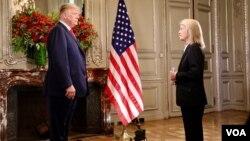 بیونس آئیرس: وائس آف امریکہ کی گریٹا وان سسٹران صدر کا انٹرویو کرتے ہوئے
