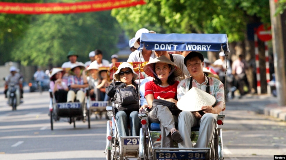 Theo số liệu của Tổng cục Thống kê, cho tới tháng 10 năm nay, đã có hơn 8 triệu khách du lịch chủ yếu từ Trung Quốc, Hàn Quốc, Nhật Bản và Mỹ tới Việt Nam.