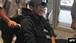 Neymar arrive à l'aéroport de Rio de Janeiro, Brésil, le 1er mars 2018 (Twitter/@Claire_Dorland)