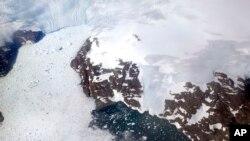 На фото: льодовики у Гренландії
