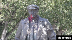 Памятник Лелілу у Сіетлі
