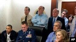빈 라덴 사살 당시 모니터링하는 백악관