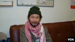 旅美华裔雕塑家陈维明(美国之音宋德成拍摄)