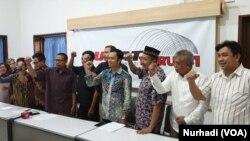 Para pegiat antikorupsi meminta presiden mengevaluasi kinerja Pansel Capim KPK. (Foto:VOA/Nurhadi )