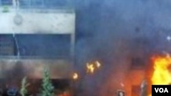 Aksi unjukrasa di Damaskus memprotes kartun Nabi, yang berakhir dengan pembakaran kedutaan-kedutaan Eropa (foto dokumentasi).