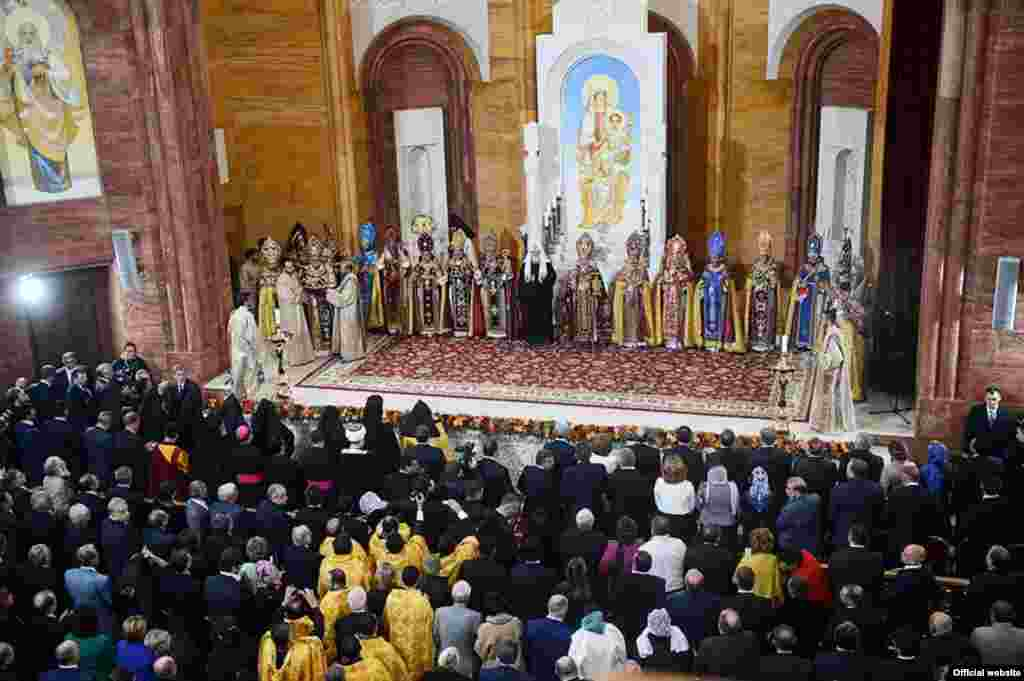 Մոսկվայում սեպտեմբերի 17-ին անցկացվել է Հայոց առաջնորդանիստ Սուրբ Պայծառակերպության եկեղեցու օծման և եկեղեցական համալիրի բացման արարողությունը