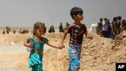 بسیاری از ساکنین موصل و روستاهای اطرافش خانه هایشان را ترک کرده اند