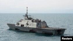Tàu chiến duyên hải USS Fort Worth của Hoa Kỳ tại vùng biển Java, 7/1/2015.