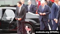 Президент Украины Владимир Зеленский и президент Беларуси Александр Лукашекно на встрече в Житомире.4 октября 2019 г.