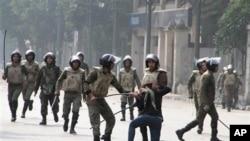 مصر: سیکیورٹی فورسز کے تشدد میں تین افراد ہلاک