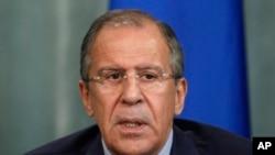 ႐ုရွားႏုိင္ငံျခားေရး၀န္ႀကီး Sergei Lavrov အဂၤါေန႔က သတင္းစာရွင္းလင္းပြဲ ျပဳလုပ္ေနစဥ္ (၂၅ ဇြန္ ၂၀၁၃)