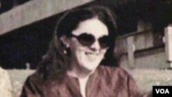 Ann Dunham, ibunda Presiden Obama. Ia adalah seorang antropolog yang pernah melakukan penelitian di Yogyakarta.