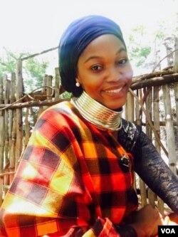 Nkanyeziyethu Malunga works with many senior citizens.