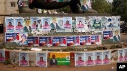 Plus de mille candidats briguaient un siège à l'assemblée dimanche