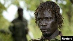 Achellam en unha fotografía tomada en 2006 en el sur de Sudán, es considerado uno de los cinco líderes más importantes del LRA.