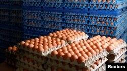 Telur-telur ayam siap dijual di pasar di kota Antwerpen, Belgia (foto: ilustrasi). Insektisida ditemukan dalam produk telur yang dikirim untuk digunakan di restoran dari Jerman, Belanda, Belgia dan Polandia.