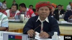 Delegasi-delegasi yang menghadiri konferensi kelompok etnis Burma di markas besar Organisasi Kachin Merdeka, Laiza (30/10).