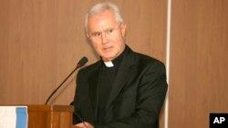 Monsignor Nunzio Scarano, seorang akuntan Vatikan, ditangkap dalam penyelidikan korupsi oleh pihak berwenang di Roma (foto: dok).