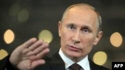 Putin saylovoldi kampaniyasi rahbarini ishdan oldi