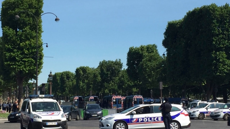 Car Slams into Police Van in Paris