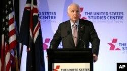 麦凯恩参议员2017年5月30日在澳大利亚悉尼演讲。