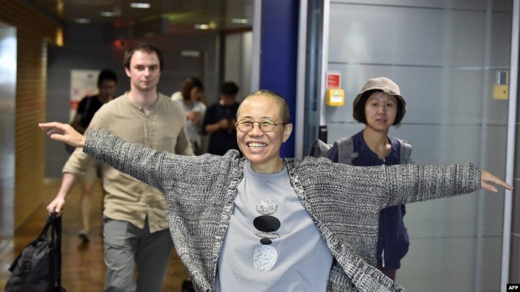 中國諾貝爾和平獎得主、政治異議人士劉曉波的遺孀劉霞於2018年7月10日抵達芬蘭赫爾辛基國際機場。