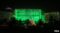 سال کی تیسری 'عید'، کراچی جگمگا اٹھا