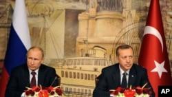 ႐ုရွားသမၼတ Vladimir Putin နဲ႔ တူရကီသမၼတ Recep Tayyip Erdogan ( ဒီဇင္ဘာ ၃၊ ၂၀၁၂)