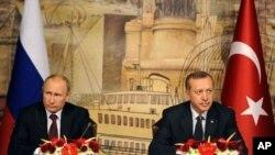 Ruski predsednik Vladimir Putin i turski predsednik Redžep Tajip Erdogan