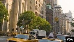 El alcalde de la ciudad, Michael Bloomberg, condenó el incidente diciendo que el ataque es contrario a todo lo que los neoyorquinos creen.