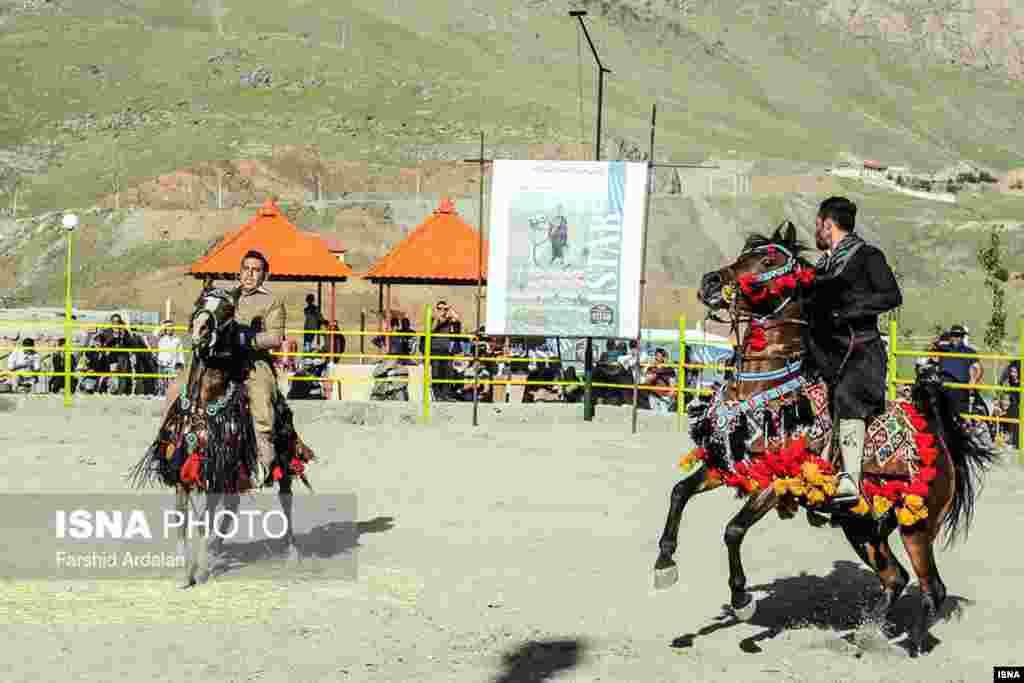 اولین جشنواره کشوری سواره اسب کُرد در سنندج عکس: فرشید اردلان