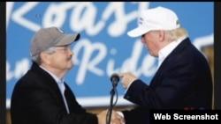 爱奥华州州长布兰斯塔德与美国总统当选人川普(视频截图)