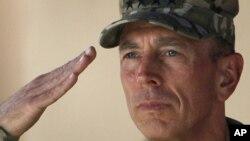 辞职的美国中央情报局局长戴维.彼得雷乌斯将军(2011年7月18日拍摄)