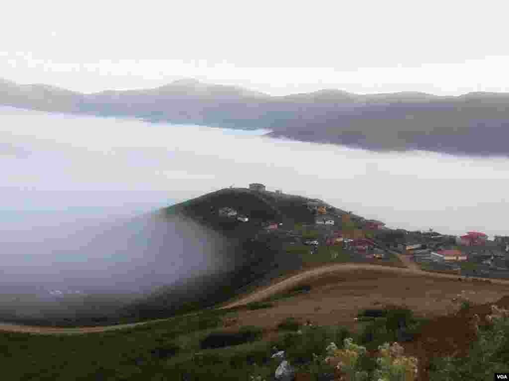 دریاچه ابر- جاده اسالم به خلخال عکس: مرتضی از تهران (ارسالی از شما)