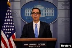 El secretario del Tesoro, Steven Mnuchin, dijo a periodistas que la orden firmada el lunes por Trump estaba no tripulado de Estados Unidos, pero reiteró que fue en respuesta a ese hecho.