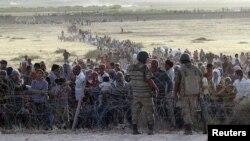 Kurdên Sûrî li ser Sînorê Tirkiyê