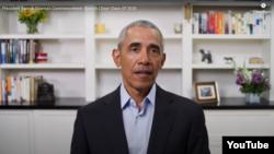 Cựu Tổng thống Barack Obama phát biểu với học sinh, sinh viên tốt nghiệp năm học 2020. Photo Obama.org via YouTube.