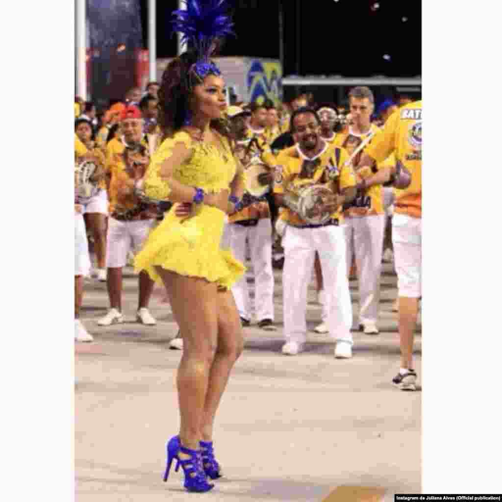 A atriz Juliana Alves no ensaio para o desfile de carnaval da Unidos da Tijuca, no dia 8.