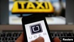 Uber rechaza que las huellas dactilares se conviertan en un requisito en todo el estado alegando que esto suele perjudicar a gente que fue arrestada y luego exonerada.