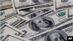 Angola:Petrolíferas têm que fazer pagamentos em bancos angolanos