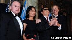 陈光诚在华盛顿获颁自由民主奖