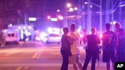 Makin banyak orang mengandalkan media sosial untuk mendapatkan berita terbaru, seperti halnya saat aksi pembantaian Orlando (foto: ilustrasi).