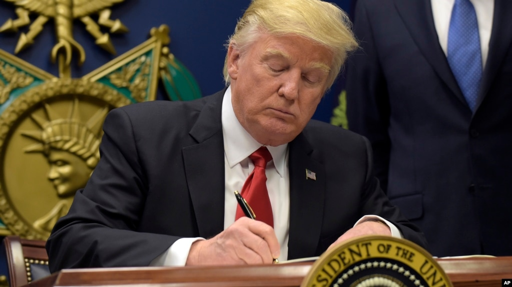 Image result for трамп подписал