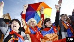 Армения: оппозиционеры вышли на улицы Еревана