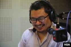 Ou Virak, President of Future Forum, a think tank group in Cambodia. ( Leng Len/VOA Khmer)
