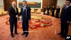 Президент России Владмир Путин и Премьер Госсовета КНР Ли Кэцян (архивное фото)